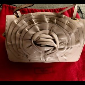 Luxury Authentic Valentino handbag never used.💼✨
